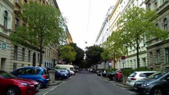 Hainburger-Allee Blick vom Kardiplatz